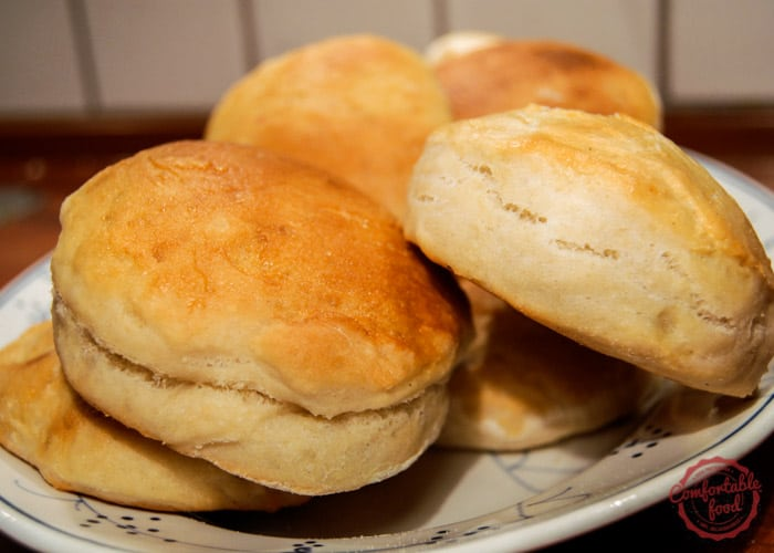 A very simple yeast biscuit recipe.