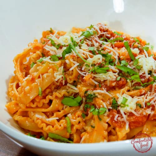 Rich and creamy tomato basil pasta recipe.