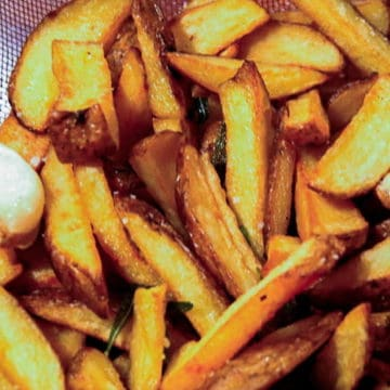 Italian style French fries with garlic and rosemary.