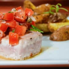 Seared tuna with lemon and capers