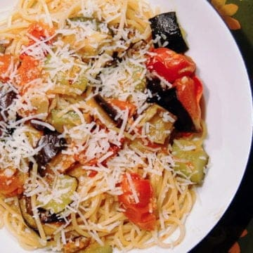 Super simple pasta salad with roasted vegetables