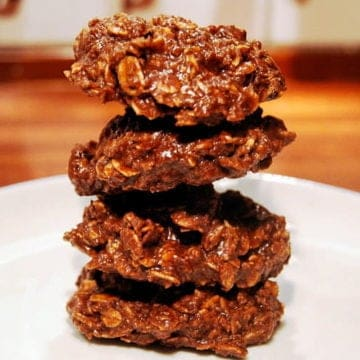 Easy no bake chocolate oatmeal cookie with nutella.