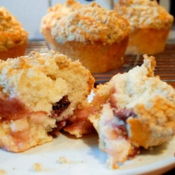 sour cherry crumble muffins