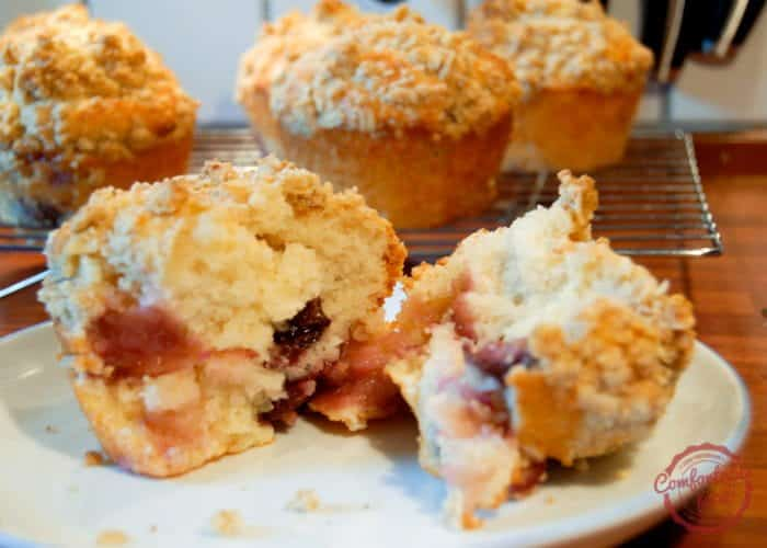 Sour Cherry Crumble Muffins 1