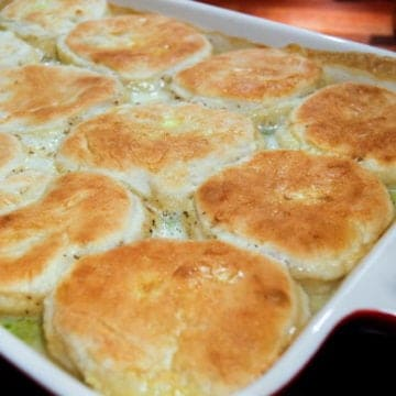 Homemade chicken and biscuits from comfortable food.