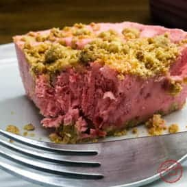 Frozen Strawberry Crumble Crunch Cake & Video 2