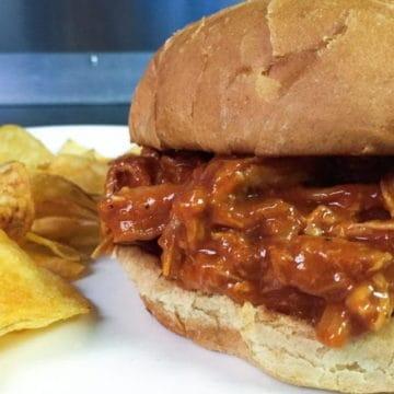 Bourbon bbq chicken sandwich e1512147229863