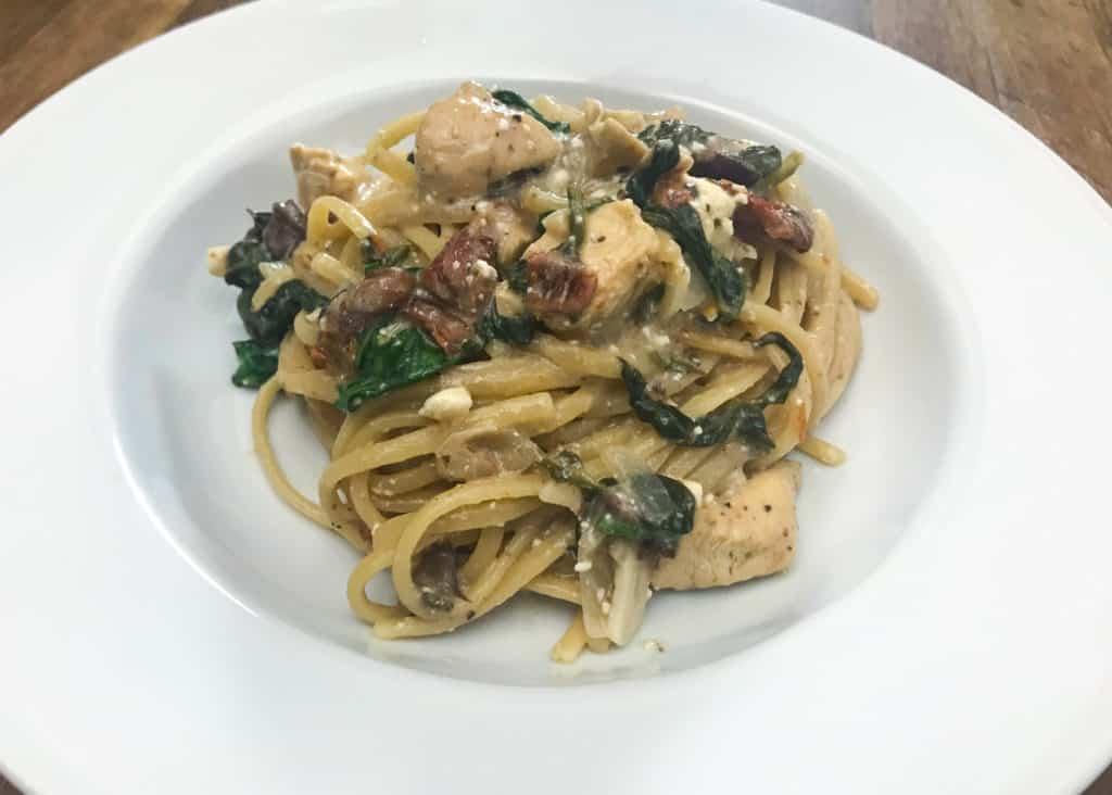 Tsri one pot cheesy greek pasta with chicken 2